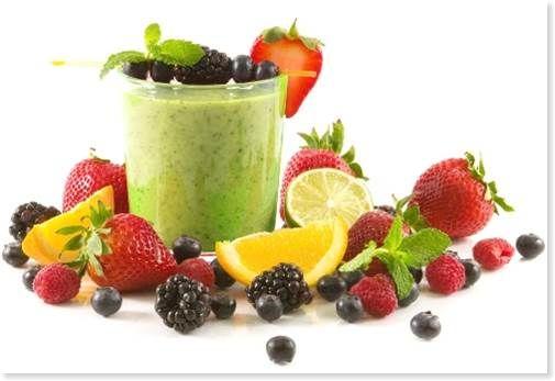 スムージーと果物