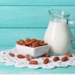 アーモンドミルクは栄養満点?カロリーを徹底比較!