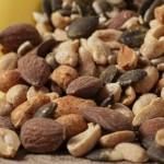 ミックスナッツは低GIで糖質制限にもおすすめ!便秘解消にも効果あり?